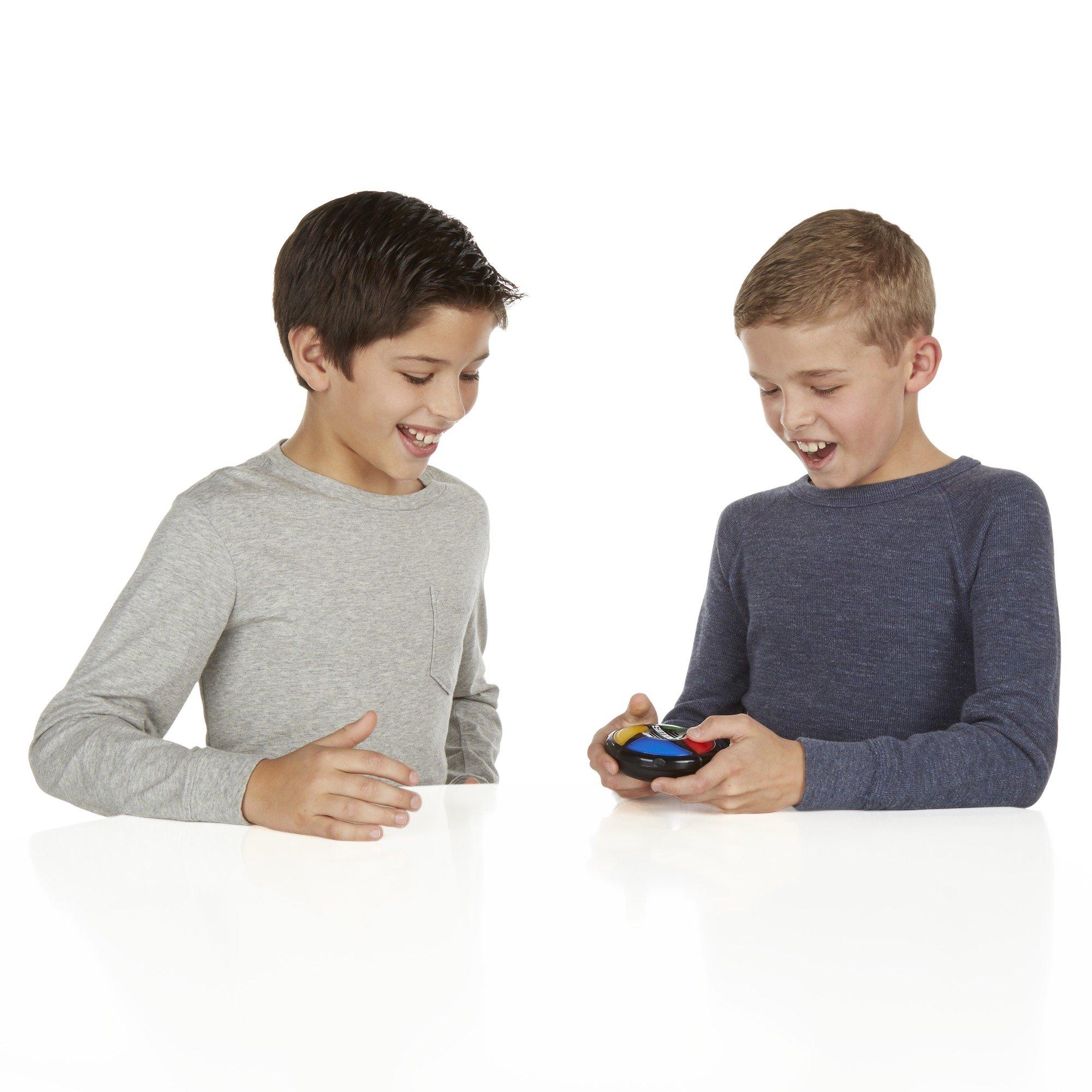 Hasbro Gaming Simon Micro Series Game by Hasbro Gaming (Image #5)