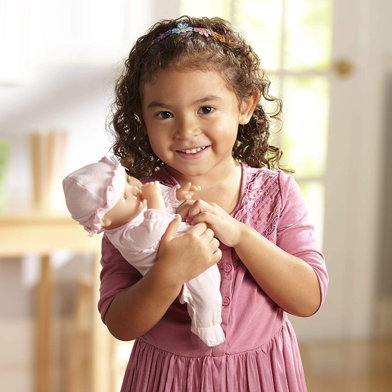 14881 Jenna Mine To Love-Bambola Beb/è dal Corpo Morbido con Tutina e Berretto Melissa /& Doug
