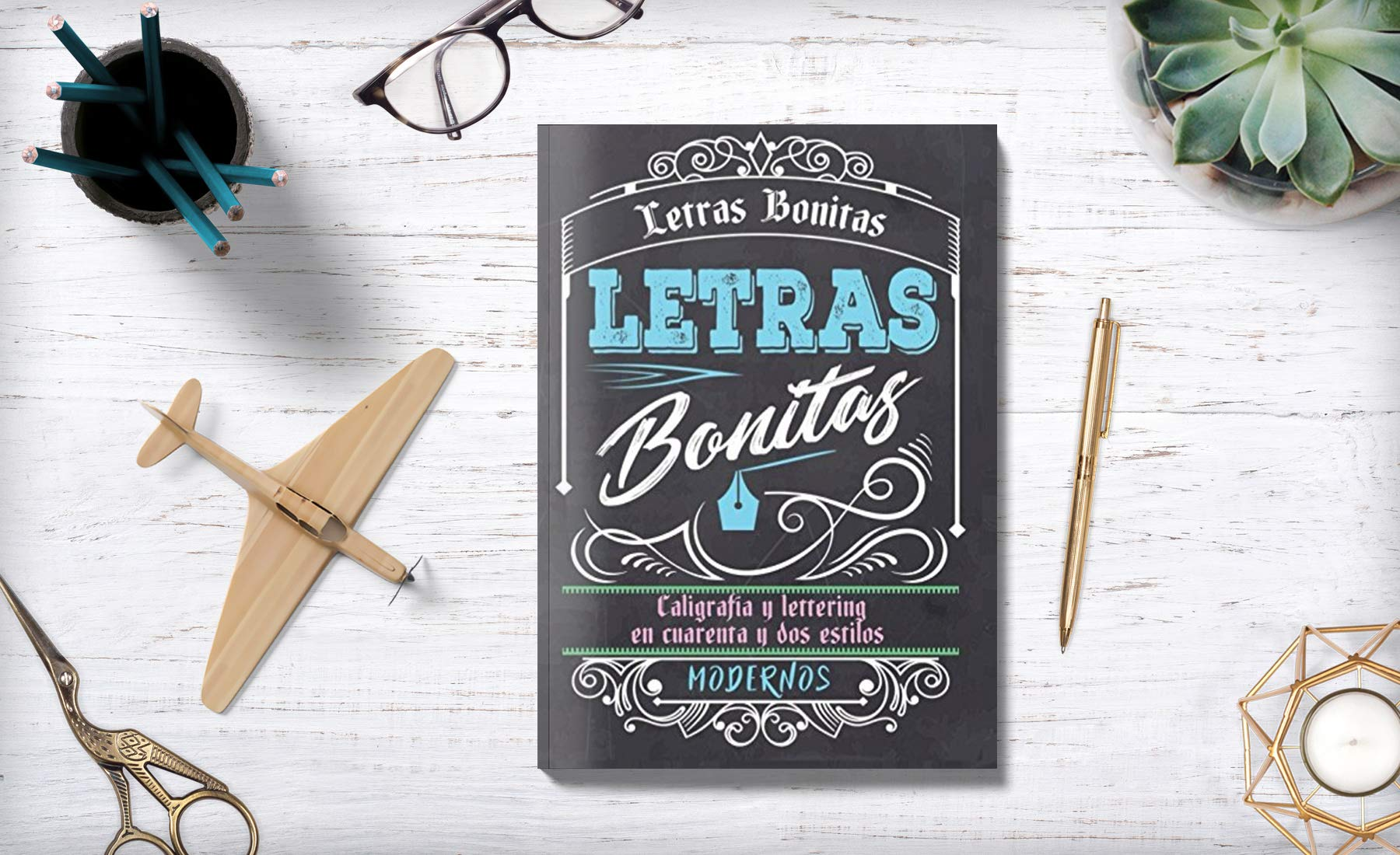 Letras Bonitas: Caligrafía y lettering en cuarenta y dos estilos modernos (Spanish Edition): Creative Handlettering: 9781976708008: Amazon.com: Books