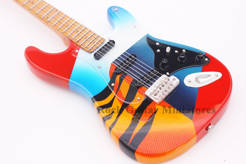 RGM663 Eric Clapton Guitarra en miñatura
