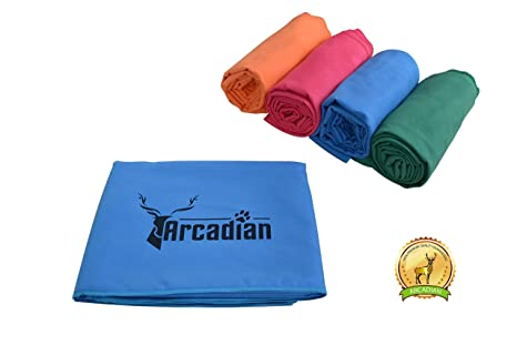 Toalla de microfibras grande para perro por Arcadian en azul, verde, naranja, y