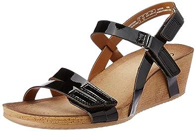 92e61a49ed Clarks Womens Alto Gull Black Patent Leather Casual Sandals: Amazon ...