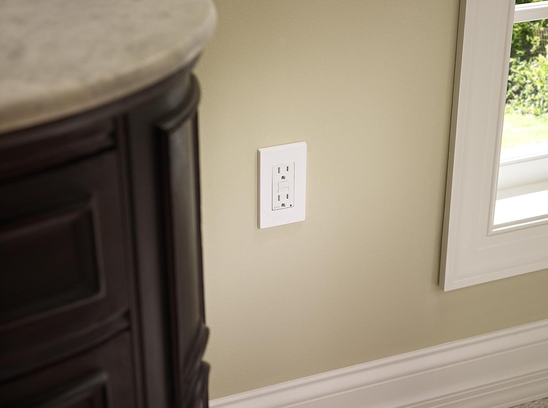 White Leviton AFTR2-W 20-Amp AFCI Receptacle 120-Volt SmartlockPro Outlet Branch Circuit Arc-Fault Circuit Interrupter
