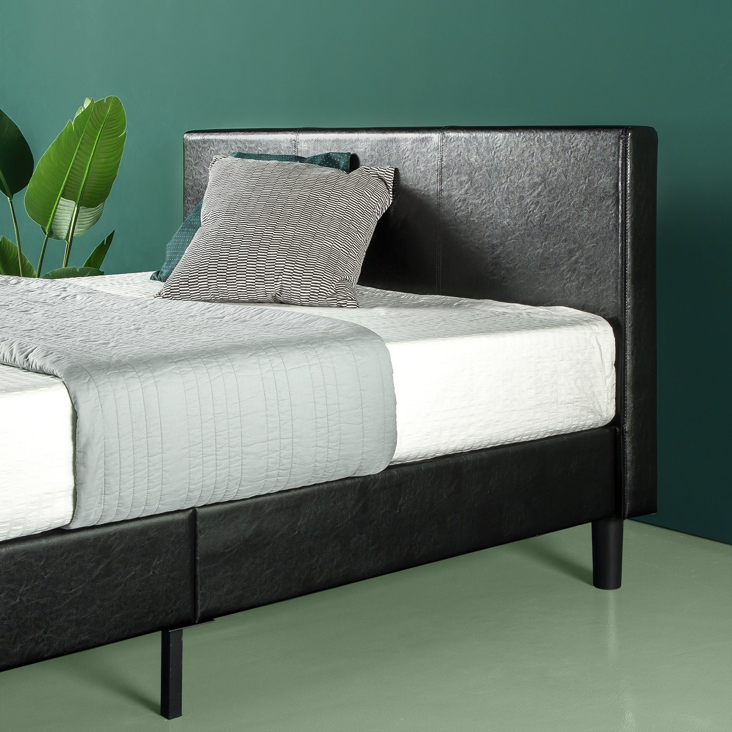 Zinus Jade Faux Leather Upholstered Platform Bed