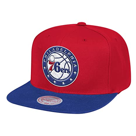 official photos 3d55c 150d0 Amazon.com   Mitchell   Ness Philadelphia 76ers Wool 2 Tone Adjustable  Snapback Hat   Sports   Outdoors