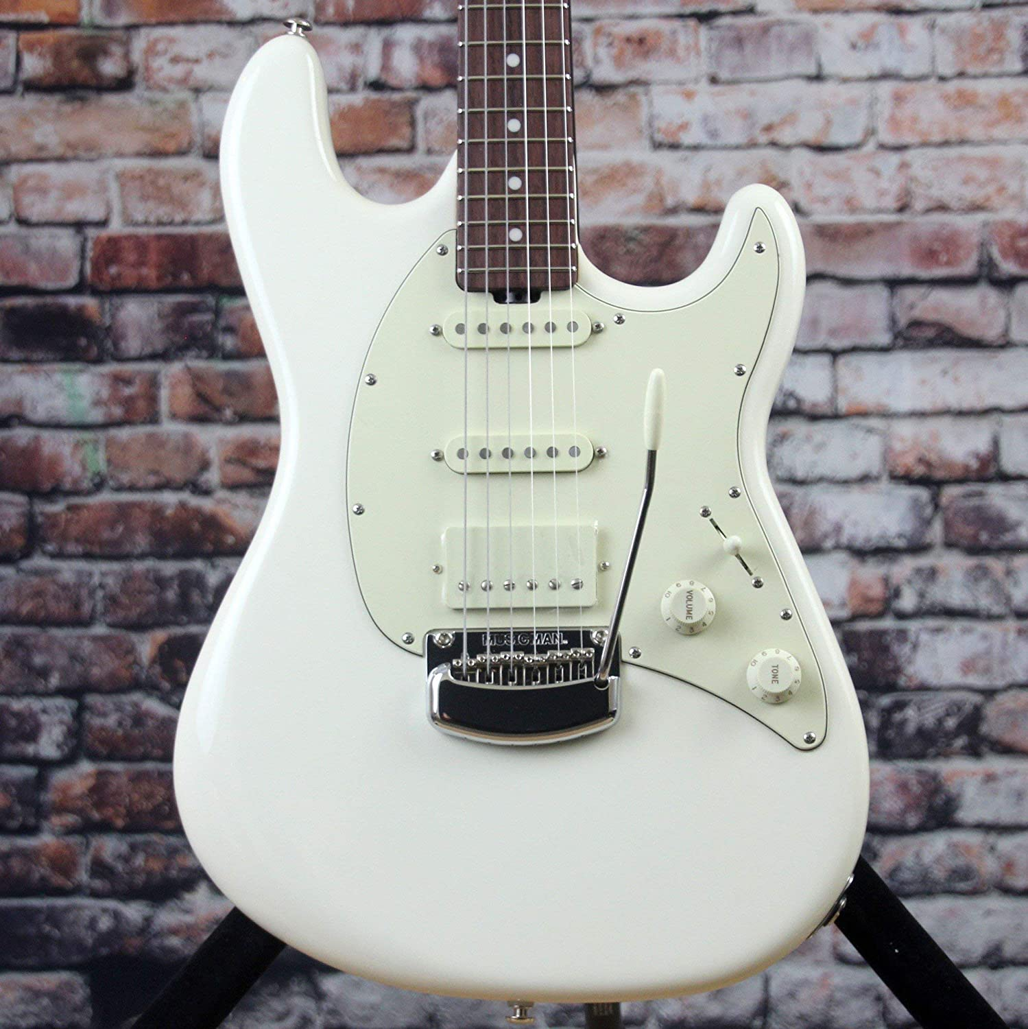MUSIC MAN/Cutlass RS HSS Ivory White   B07BYR7W82