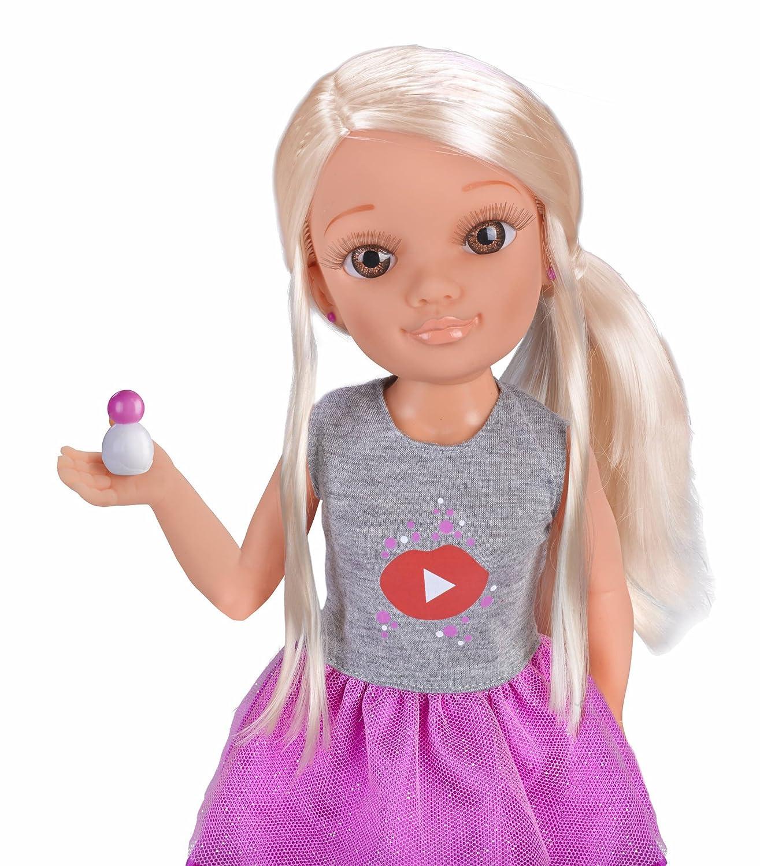 Nancy - Un Día como Youtuber (Famosa 700014272)