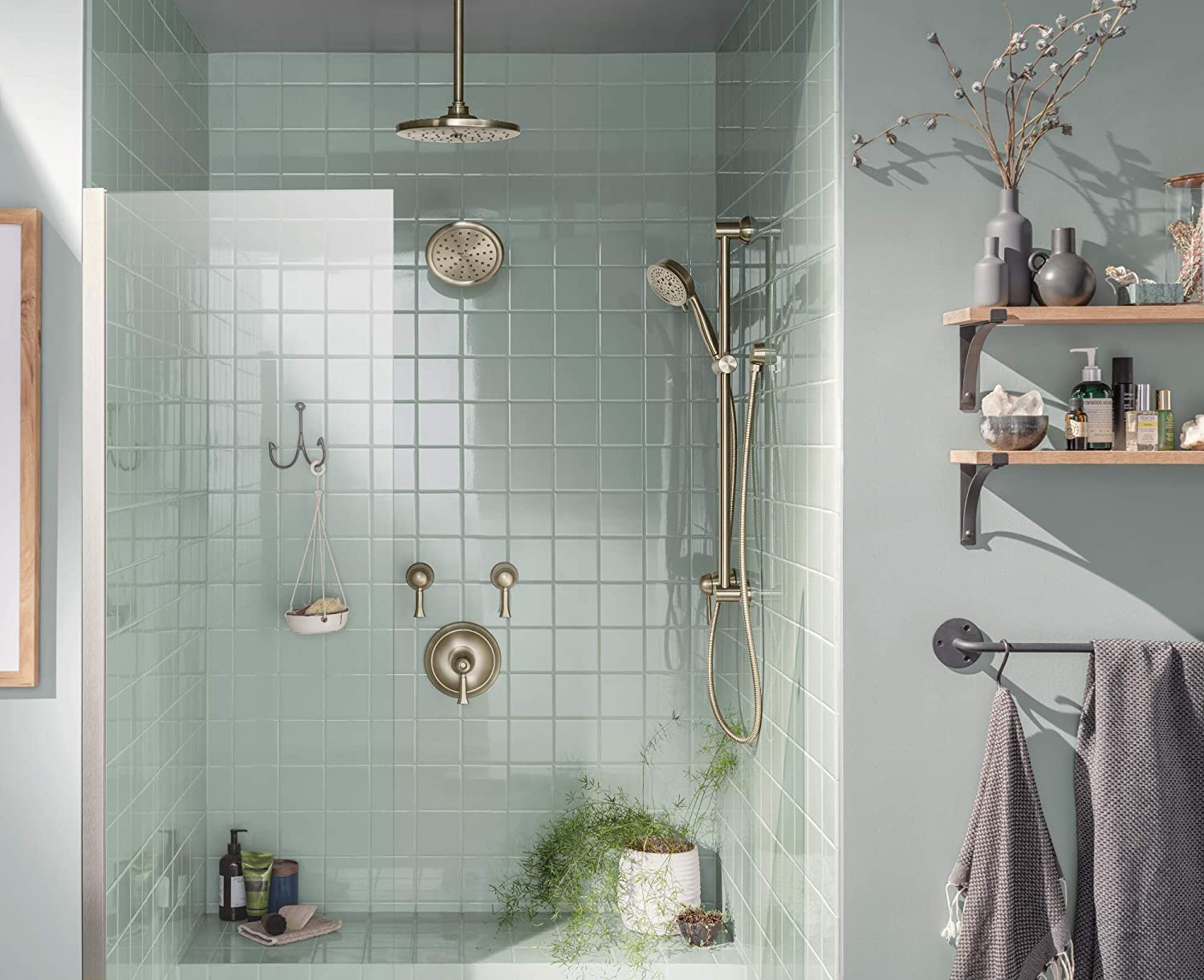 Brushed Nickel Moen S6310BN ExactTemp 7 One-Function Rainshower Showerhead with Immersion Technology at 2.5 GPM Flow Rate
