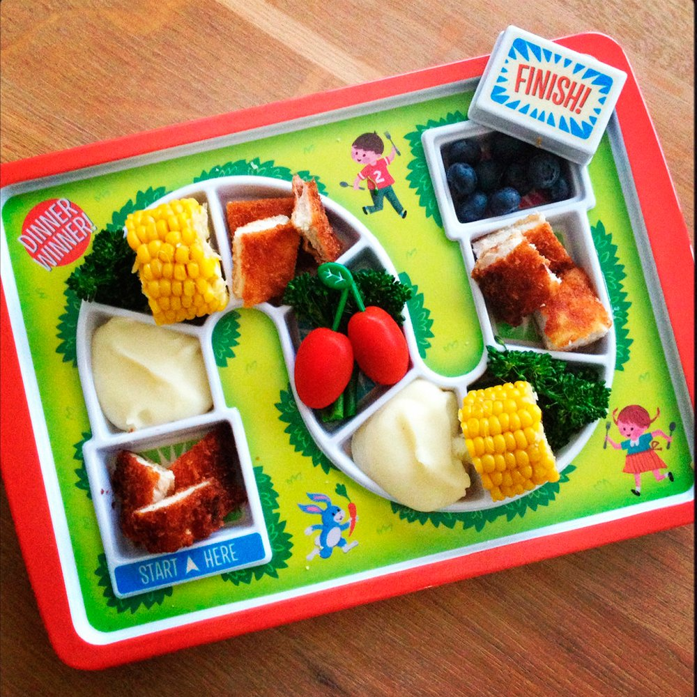 Dinner Winner Tray Child Game Lunch Plate Divided Food Snack Fred Friends Amazoncouk Kitchen Home
