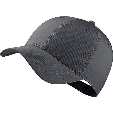 92bd573289b Nike Tech Kappe (Einheitsgröße) (Dunkel Grau Anthrazite  Schwarz)   Amazon.de  Bekleidung
