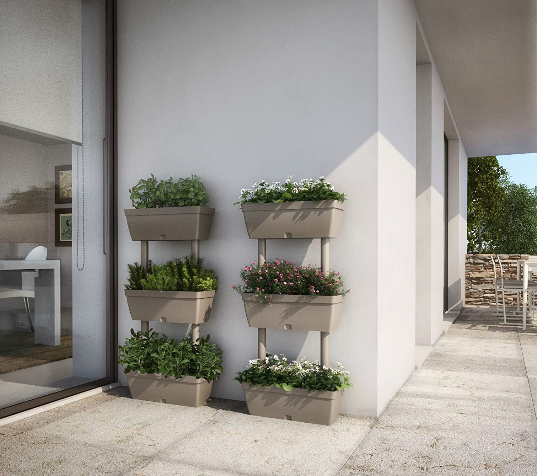 Stunning vasi da terrazzo online images idee arredamento for Vasi da ringhiera