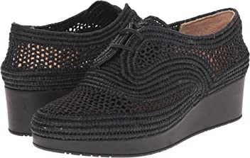 d8ad441c6bd7 Robert Clergerie Women s Vicolek Fashion Sneaker