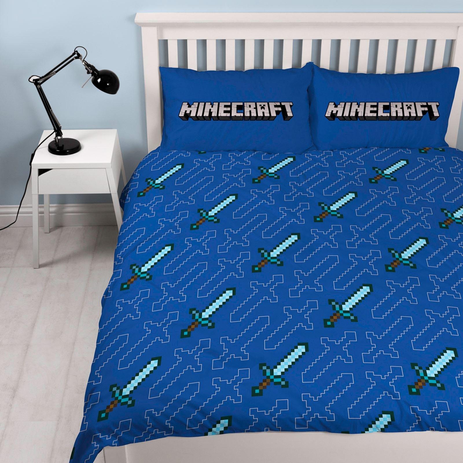 Minecraft 'Good Guys' Double Duvet Set - Large Print Design