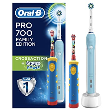 Braun Oral-B Family Edition Mickey avec Oral-B Pro 700 + Stages Power f70d16acad55
