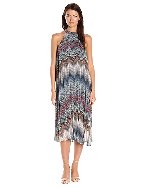 33d58f3424 BCBGeneration Women s Printed Pleated Midi Dress at Amazon Women s Clothing  store
