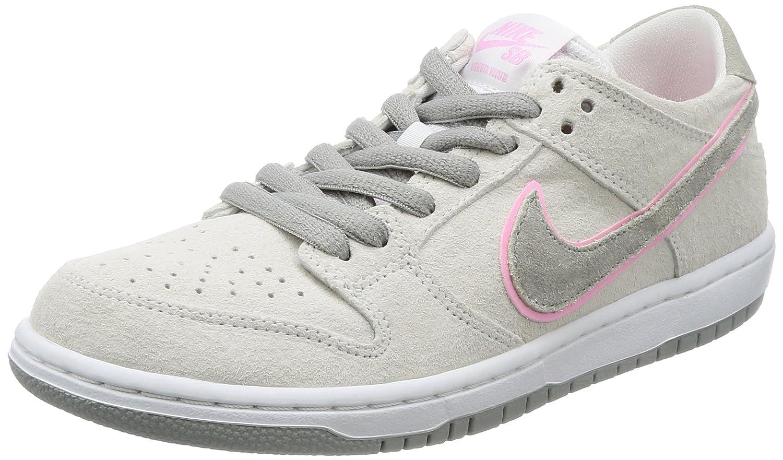 newest 4b6b4 21ea6 Nike Men's SB Zoom Dunk Low Pro IW Skate Shoe