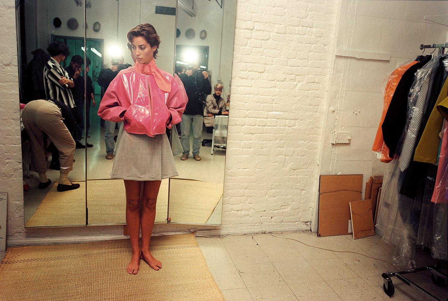 Amazon The Isaac Mizrahi Pictures New York City 1989 1993 Photographs By Nick Waplington 9788862084512 Books