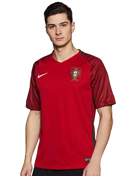 Amazon.com  NIKE Portugal Home Men s Soccer Jersey EURO 2016  Sports    Outdoors b28e32174