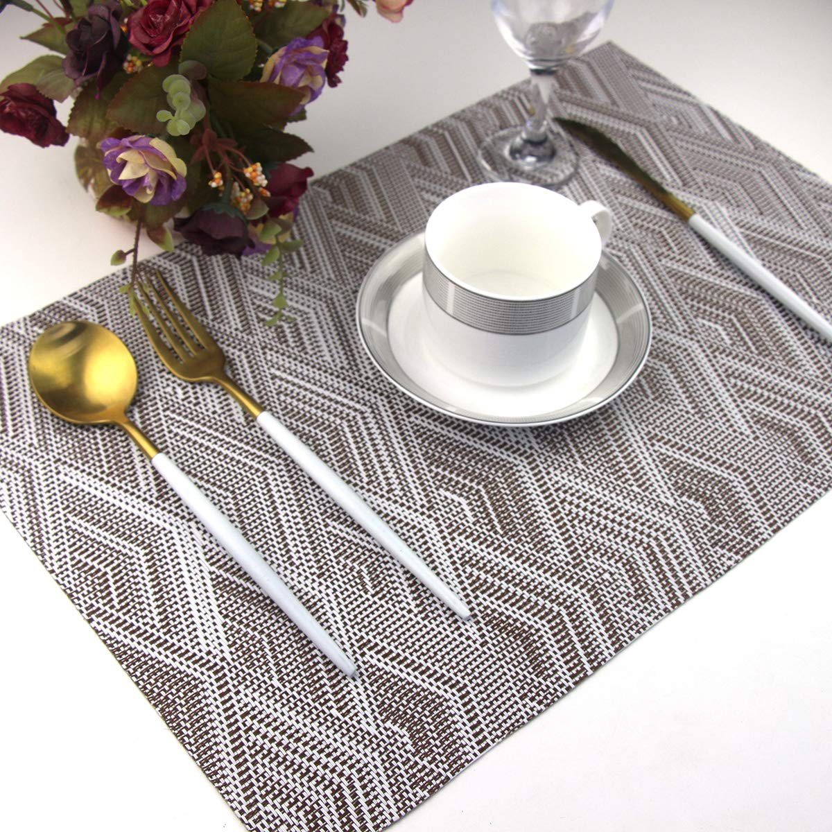BeChen Vinyl Placemats,Washable Table Mats Easy to Clean Woven Placemats for Dining Table Set of 4 Blue