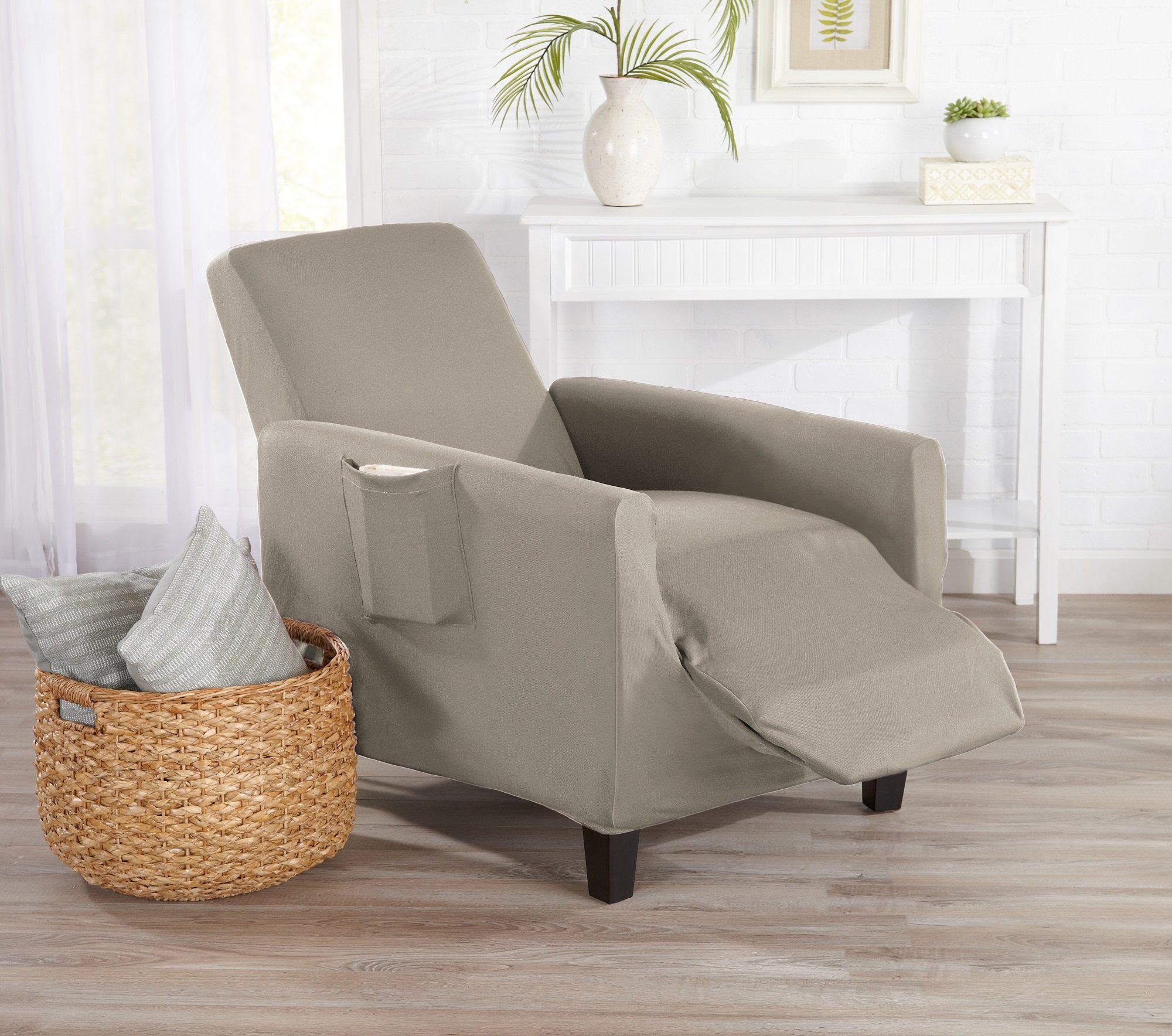 Great Bay Home One Piece Recliner Silpcover, Slip Resistant, Stylish Furniture Cover/Protector. Dawson Collection Basic Strapless Slipcover by Brand. (Recliner, Silver Cloud)