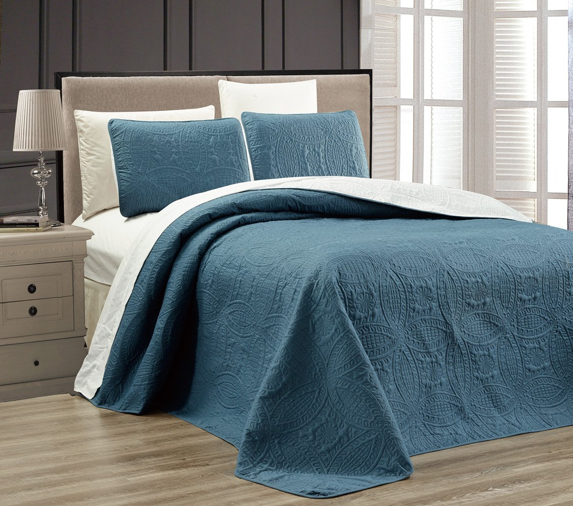 3-Piece SPA BLUE / WHITE Oversize ''ORNATO'' Reversible Bedspread QUEEN / FULL Embossed Coverlet set 106 by 100-Inch