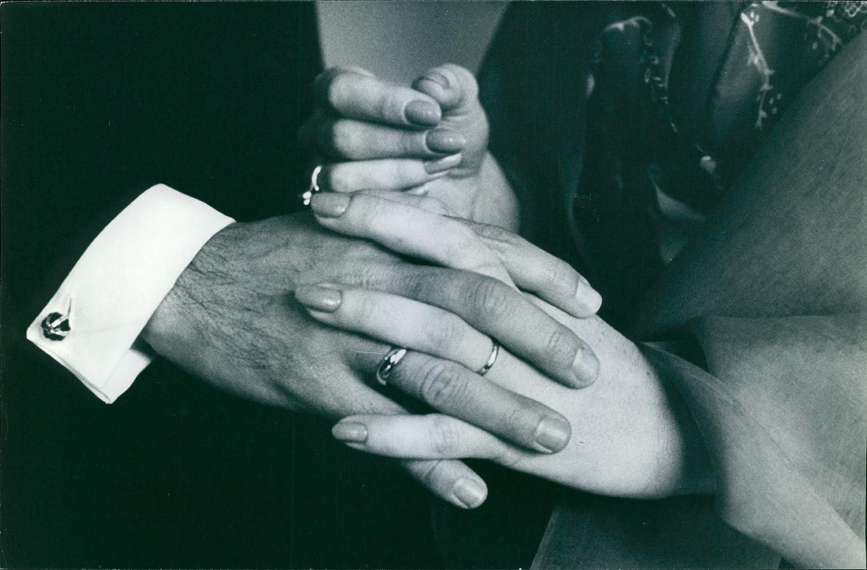 Vintage fotográfico de boda anillos llevar por la princesa María Beatriz de Saboya y Luis Reyna, 1970: Amazon.es: Hogar