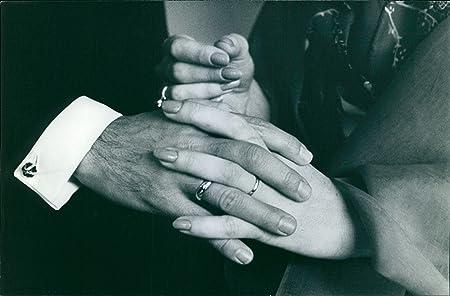 Vintage fotográfico de boda anillos llevar por la princesa ...