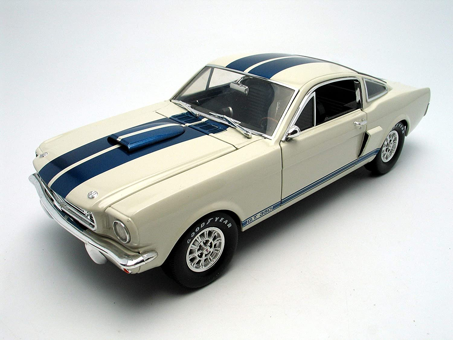 1966 Shelby Mustang Gt 350 White mit Blue Stripes 1/18 durch Shelby Collectibles Sc160