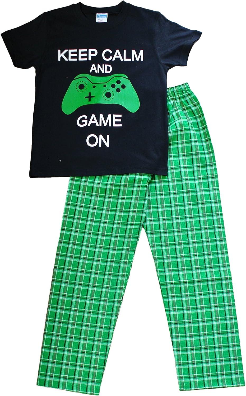 Pijama largo para niño con texto en inglés