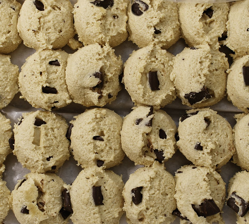 David's Cookies Frozen Cookie Dough, Preformed Chocolate Chunk, 43 Oz