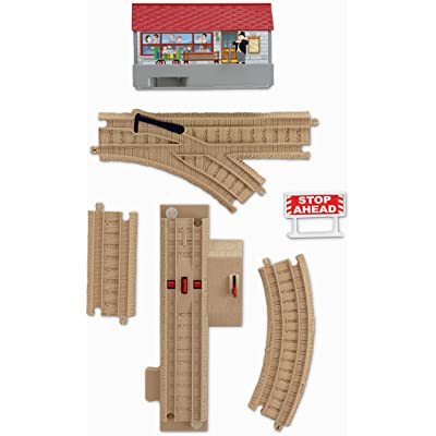 Thomas & Friends TrackMaster Sodor Sounds Track Pack Includes 17 Pieces: Toys & Games