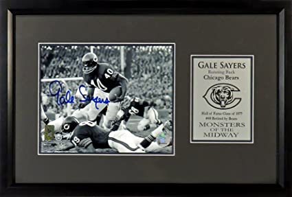 eb1c01f6f Chicago Bears Gale Sayers Autographed 8x10 Photo Display Framed (COA ...