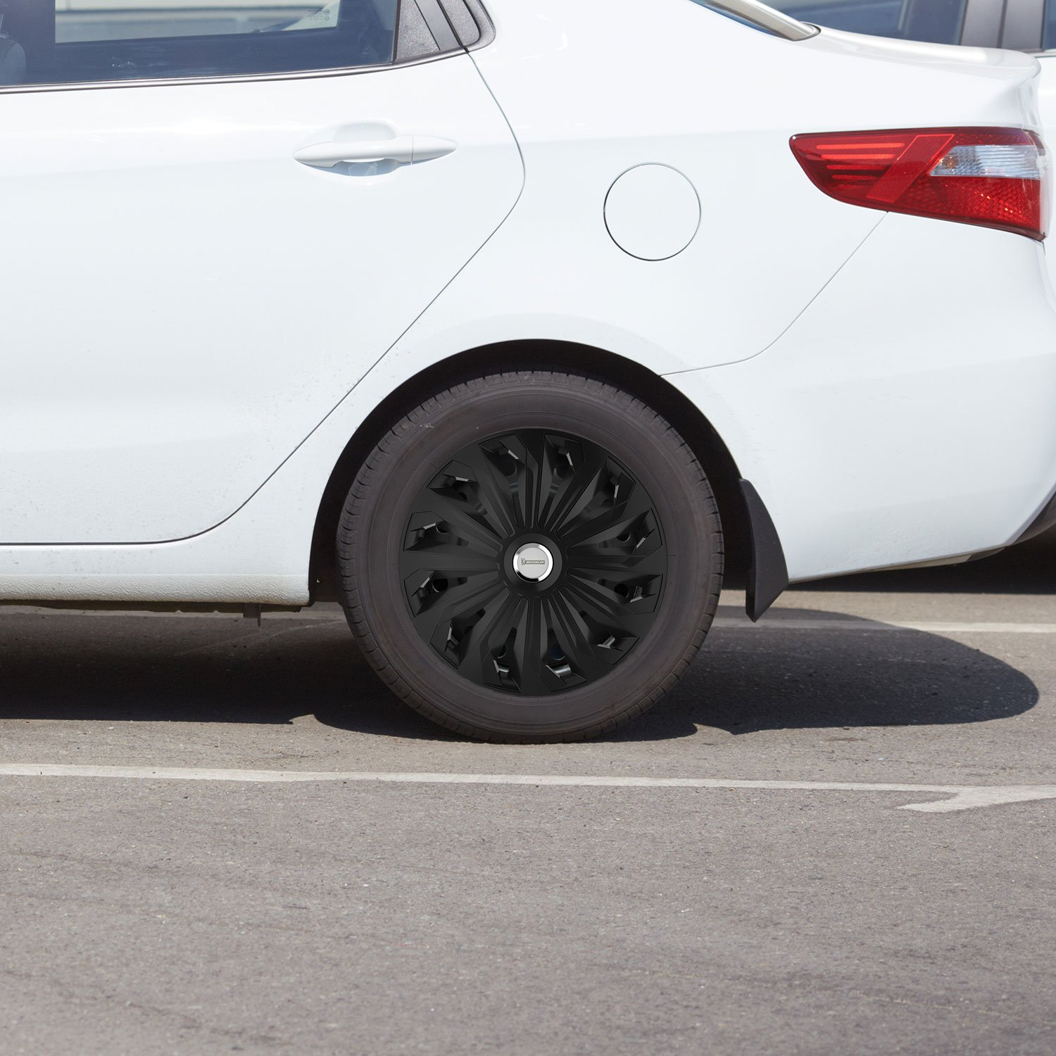 14 inches 35.56 cm black set of 4 Michelin 92009 Wheel trim Fabienne with reflector system N.V.S.
