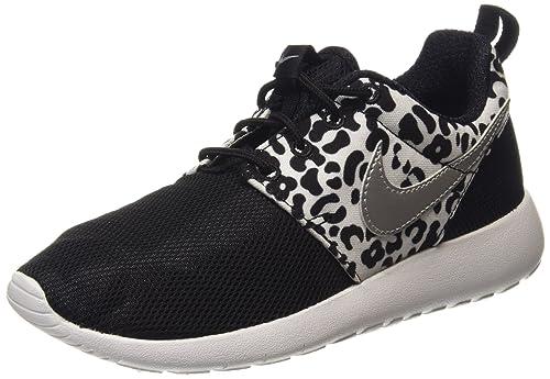 6acbcc25b Nike Roshe One Print (GS) - Zapatillas para Deportes de Interior de  sintético para niño Negro Negro (Black 002) 36.5  Amazon.es  Zapatos y  complementos