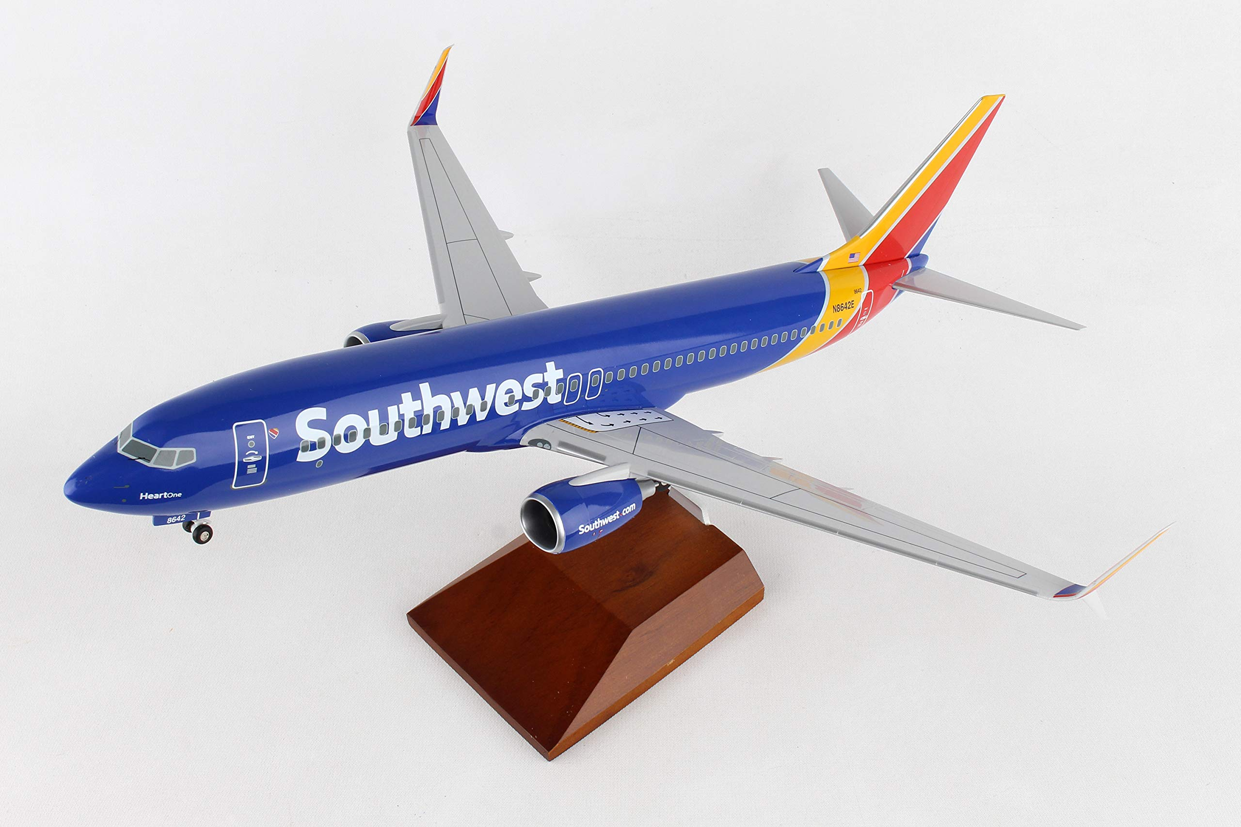Daron 737-800 Skymarks Southwest Airplane Model with Gear & Wood Stand Heart (1/100 Scale) by Daron (Image #2)