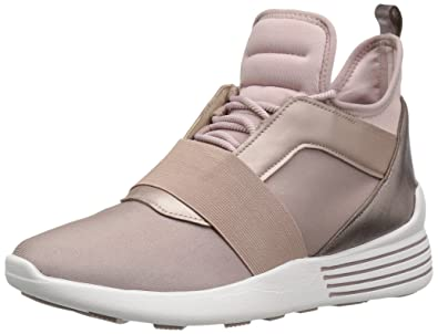 f39ca3b47054 Amazon.com  KENDALL + KYLIE Women s Braydin Fashion Sneaker  Shoes