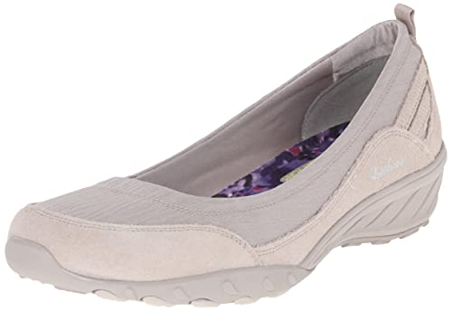 186864bd07cd Skechers Sport Women s Savvy Dressed Up Wedge Pump  Amazon.in  Shoes ...