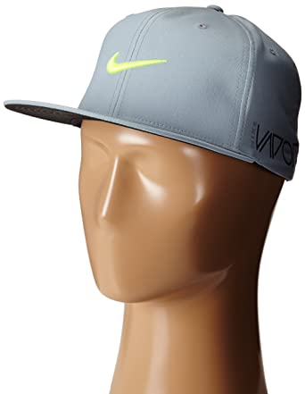 6112eda9689 Amazon.com   2015 Nike True Tour Mens Golf Flat Bill   New VAPOR RZN ...
