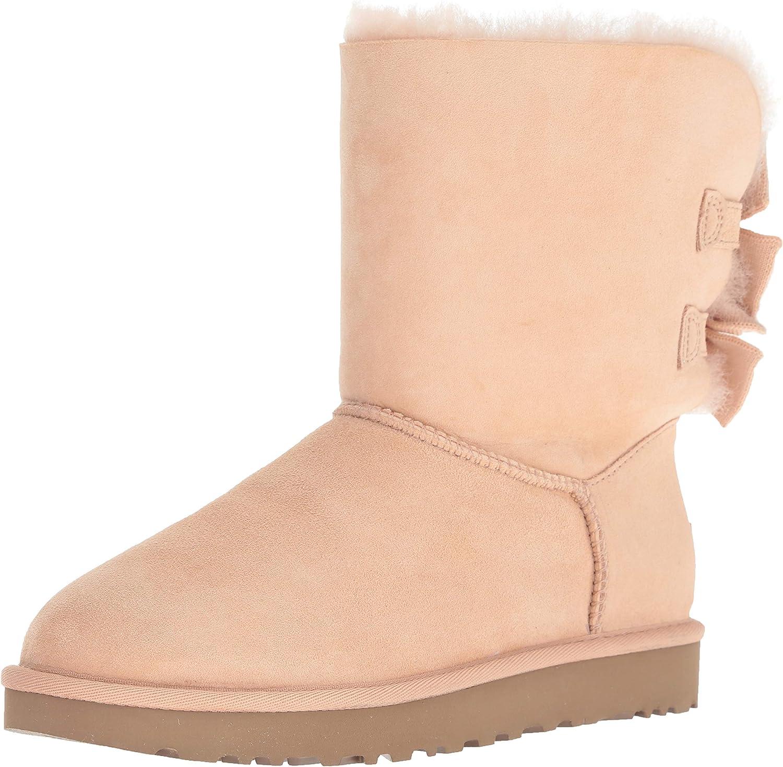 W Bailey Bow Short Ruffle Fashion Boot