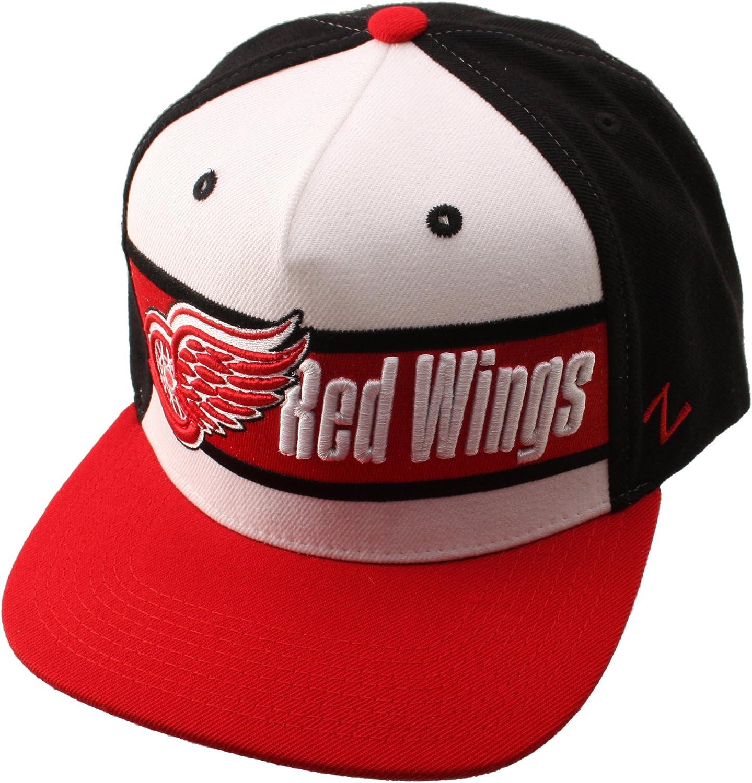 Amazon Com Nhl Zephyr Detroit Red Wings Mens 5 Pnl Adj Wing Wht Blk Scrlt Zw White Sports Fan Baseball Caps Clothing