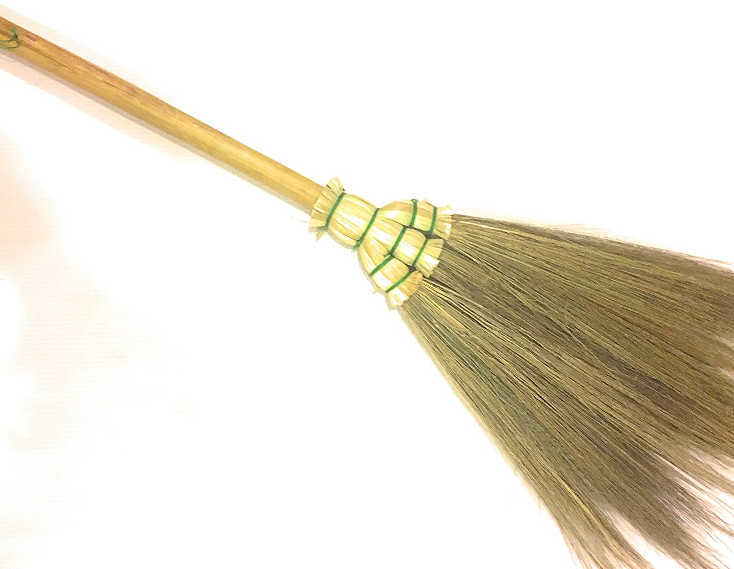 office car or any room cleaning Home decor vintage Thai Traditional Handmade Broom Grass bamboo handle Natural color length 28 Tiny broom Perfect for any kitchen 1pc restaurant