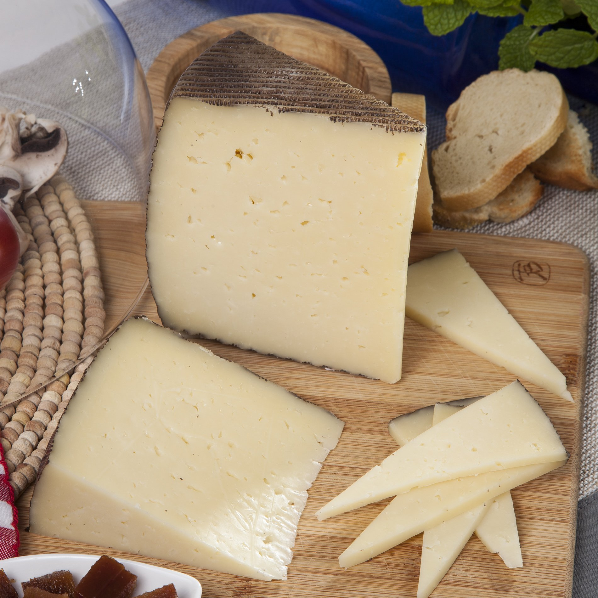 Manchego Cheese (1 lb)