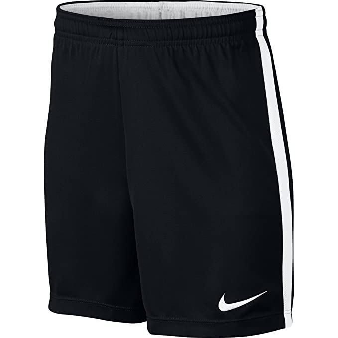 48c05b8a3 Amazon.com: NIKE Kids Dry Academy Football Short: Clothing
