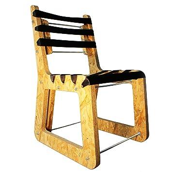 Microstudio B B C Chaise Fabriquee A Partir De Materiaux