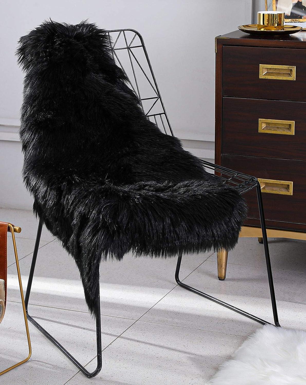BAYKA Faux Sheepskin Fur Area Rug, Luxury Area Rug, Soft Furry Carpet Rug for Bedroom, Children's Room, Decor Rug 2x3 Feet, Black