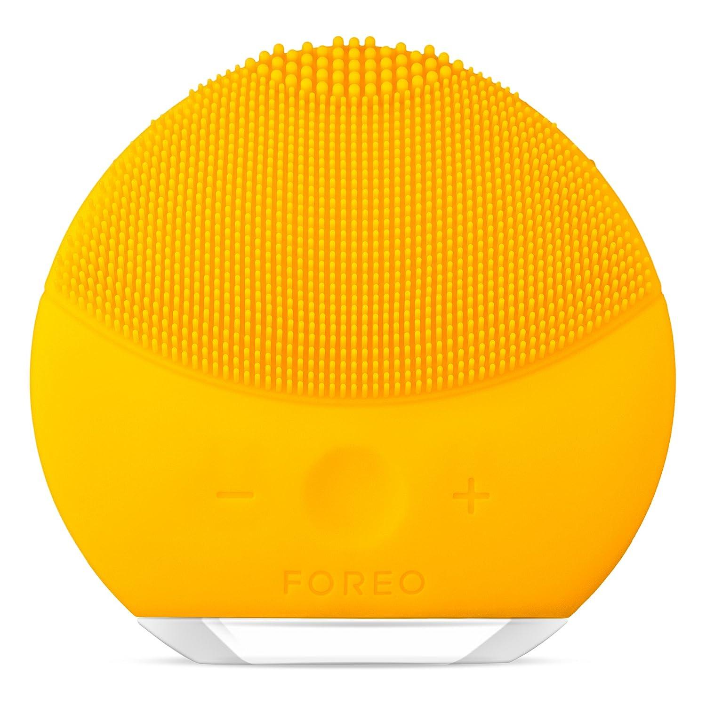 FOREO LUNA mini 2 Brosse visage en silicone doux pour tous les types de peau Fuchsia/Rechargeable via câble USB F8536