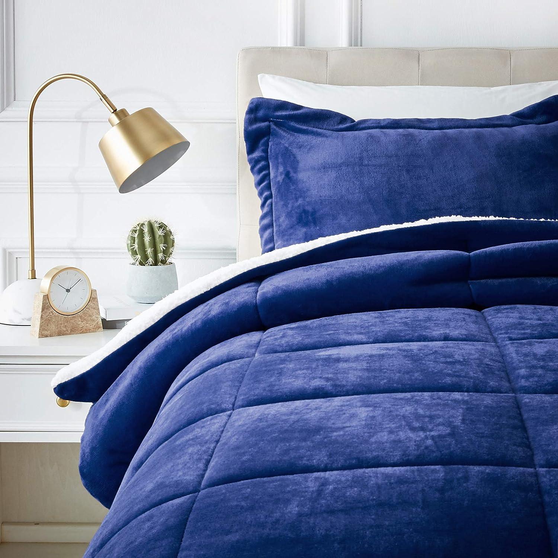 AmazonBasics Ultra-Soft Micromink Sherpa Comforter Bed Set - Twin, Navy Blue