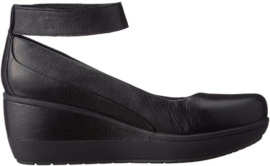 bcea92033 Clarks Wynnmere Fox Leather Shoes In Black Standard Fit Size 3  Amazon.co.uk   Shoes   Bags