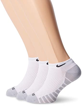 d30403283 Nike Men's Dry Lightweight No-show Training Socks (3 Pair): Amazon ...