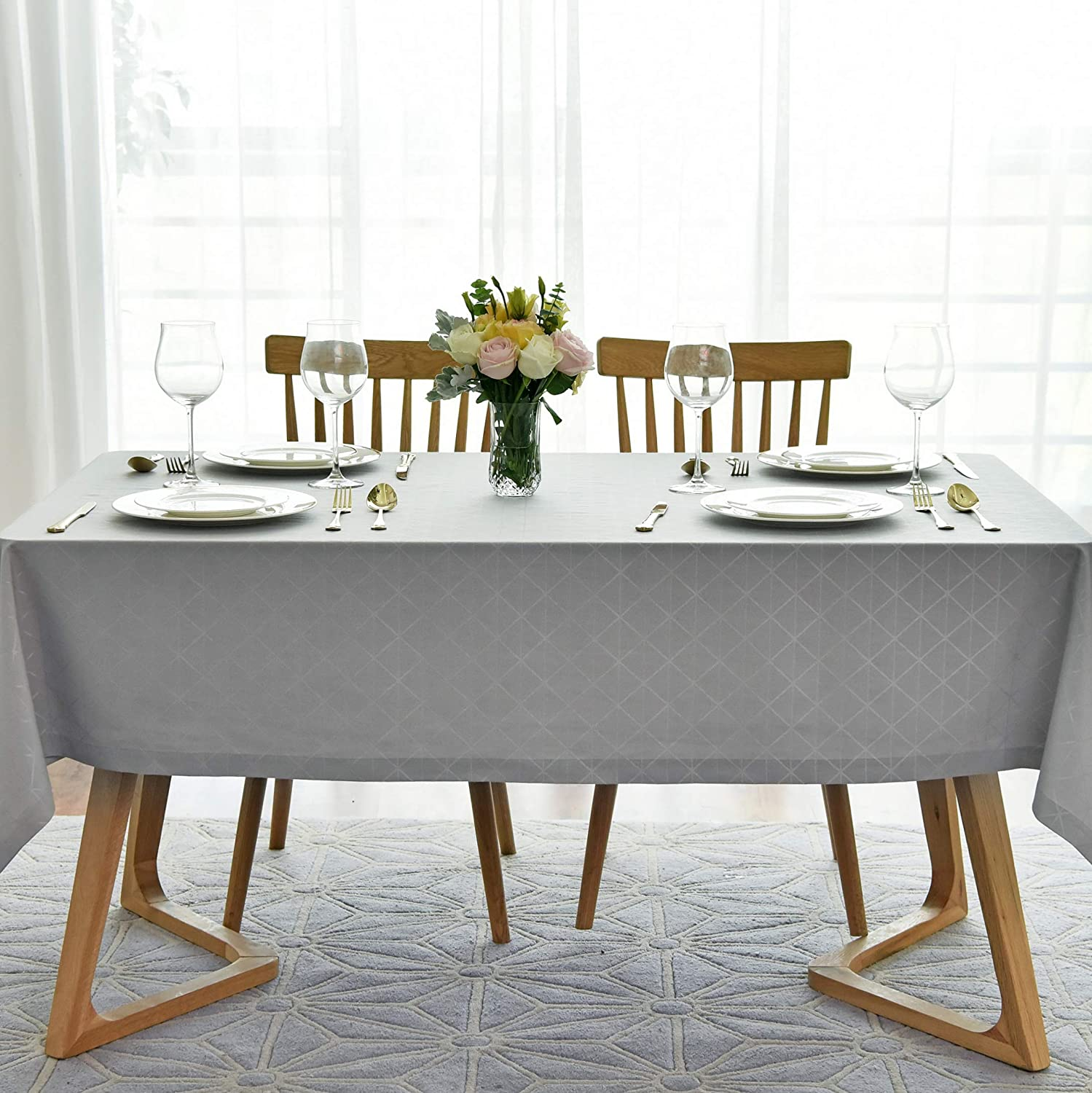 maxmill Jacquard Poly-Cotton Tablecloth Geometric Pattern SpillProof, Water Resistant Wide Hem Heavy Weight Soft Table Cloth for Kitchen Dining Tabletop Decoration Rectangle, Light Grey, 58x84 Inch